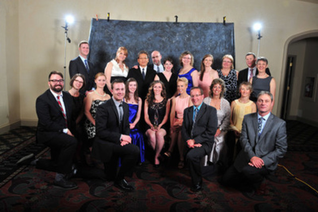 The Alberta Energy Regulator team accepts the gold Award of Excellence in multi-media projects. (CNW Group/Canadian Public Relations Society)