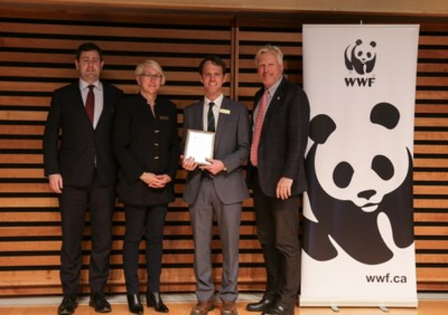 OLG receives award for Excellence in Employee Engagement (CNW Group/WWF-Canada)