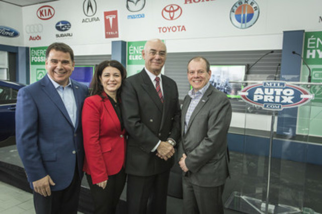 Richard Martin, co-owner of Montréal Auto Prix, Filomena Rotiroti, deputy of Jeanne-Mance - Viger, Jacques Daoust, Minister of Transport, Sustainable Mobility and Transport Electrification, Sylvain Lamoureux, co-owner of Montréal Auto Prix. (CNW Group/Montréal Auto Prix)