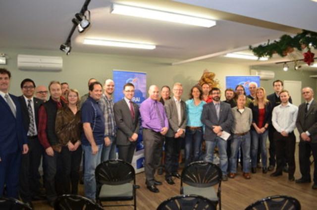 Le sénateur Pierre-Hugues Boisvenu prend parole pour appuyer un candidat qui a du front. (Groupe CNW/Parti Conservateur du Québec)