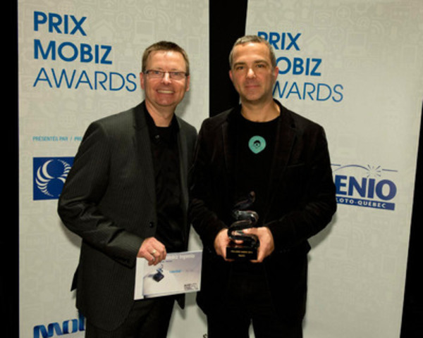 Mobiz STARTUP: Yvon Théorêt, Director of Technologies at Ingenio, and Patrick Gagné from TAG taxi™. (CNW Group/LOTO-QUEBEC)