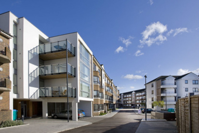 Ivanhoé Cambridge acquires 105 residential units in London : Kew Bridge Court and Imperial House (CNW Group/Ivanhoé Cambridge)