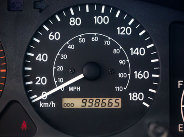 The jaw dropping odometer on Rajah Sellathurai's 2001 Toyota Corolla - which required only regular servicing and new tires to achieve! (CNW Group/Toyota Canada Inc.)