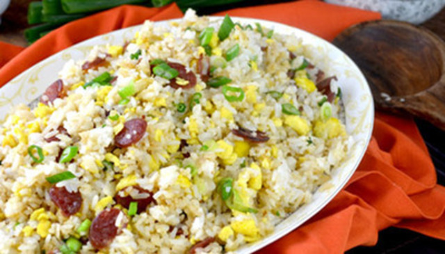 Chinese Sausage Fried Rice (CNW Group/Maple Leaf Foods Inc.)