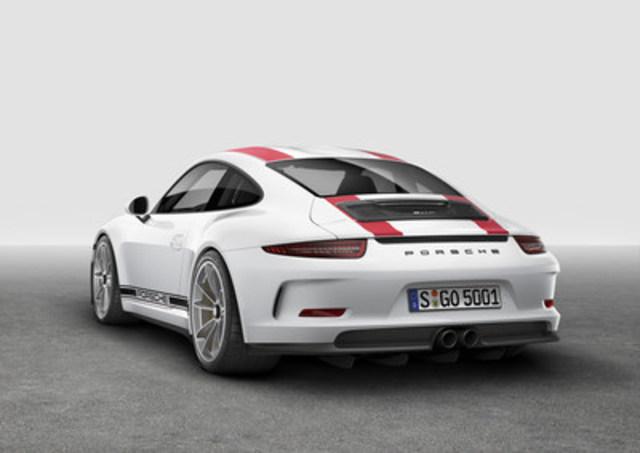 La 911 R 2017 dévoilée en première mondiale au salon de l''automobile de Genève le 1er mars 2016 (Groupe CNW/Automobiles Porsche Canada)