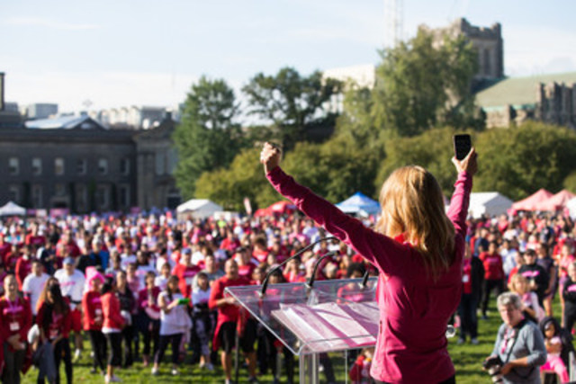 Cynthia Mulligan, Citytv reporter, emcees the opening ceremonies at the Canadian Breast Cancer Foundation CIBC Run for the Cure in Toronto. Photo credit: Sarjoun Faour (CNW Group/Canadian Breast Cancer Foundation)