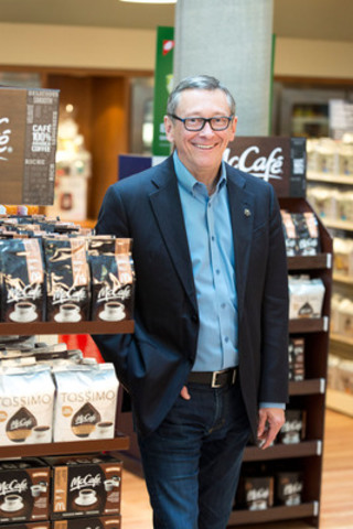John E. Betts, President and CEO of McDonald's Canada, unveils new McCafé lineup to launch at retail locations across Canada starting September 29th (CNW Group/McDonald's Canada)