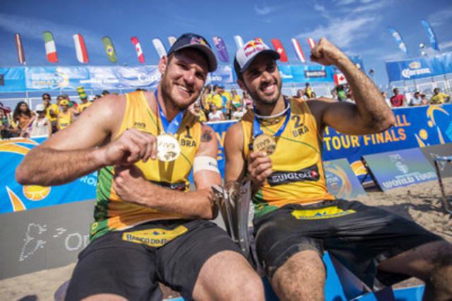 Alison Conte Cerutti (BRA) and Bruno Oscar Schmidt (BRA) (CNW Group/Swatch Beach Volleyball Major Series)