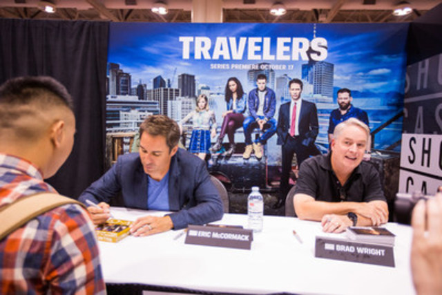 Travelers star Eric McCormack and creator Brad Wright sign autographs at the Showcase booth at Fan Expo Canada on September 3, 2016. (CNW Group/Corus Entertainment Inc.)