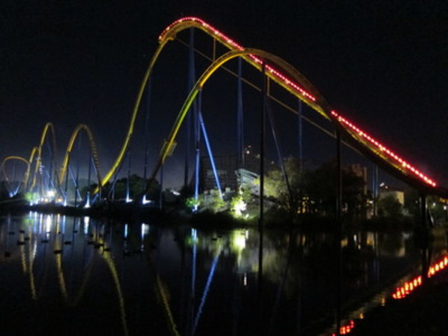 Thrilling rides in the dark. (CNW Group/Canada's Wonderland Company)
