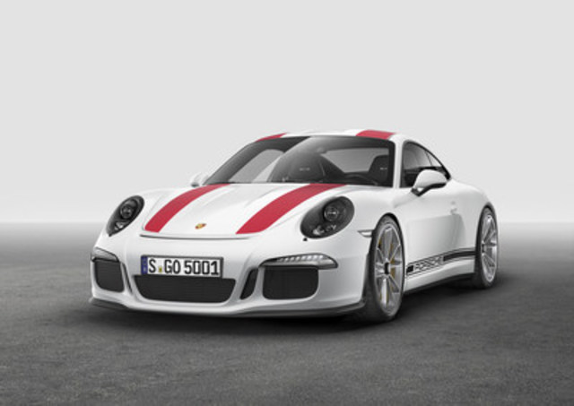 The 2017 911 R revealed as a world premiere at the Geneva Auto Show on March 1, 2016. (CNW Group/Porsche Cars ...