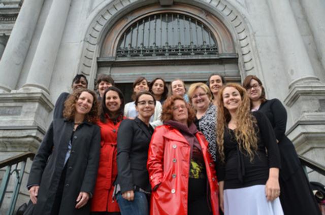 Des élues de la Ville de Montréal s'affichent sans maquillage à l'occasion de la Journée sans maquillage. (Groupe CNW/Ville de Montréal - Opposition officielle à l'Hôtel de Ville de Montréal)