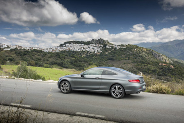 Sales of the new generation C-Class Coupe were up 220.9%. (CNW Group/Mercedes-Benz Canada Inc.)