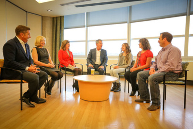 Former transplant patient, Cassidy, and her family discuss their organ donation experience at the Alberta Children's Hospital. L-R:Sheldon Kennedy, Laureen Harper, Minister Ambrose, David Foster, Cassidy Creasy, Sandy Creasy and Kelly Creasy. (CNW Group/Health Canada)
