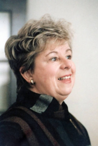 """1994 - Suzanne Martel reçoit le Prix du Gouverneur général pour son livre """"Une belle journée pour mourir"""" (Groupe CNW/Tomovision)"""