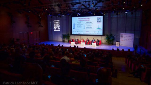 Dans le cadre de la Climate Week New York, le premier ministre du Québec, Philippe Couillard, a participé à un panel de discussion portant sur l'innovation pour développer une économie sobre en carbone. (Groupe CNW/Cabinet du premier ministre)