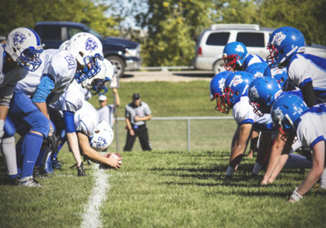 The Nissan Kickoff Project officially launched for its third year to provide funding and support to struggling high school football programs across Canada. (CNW Group/Nissan Canada Inc.)