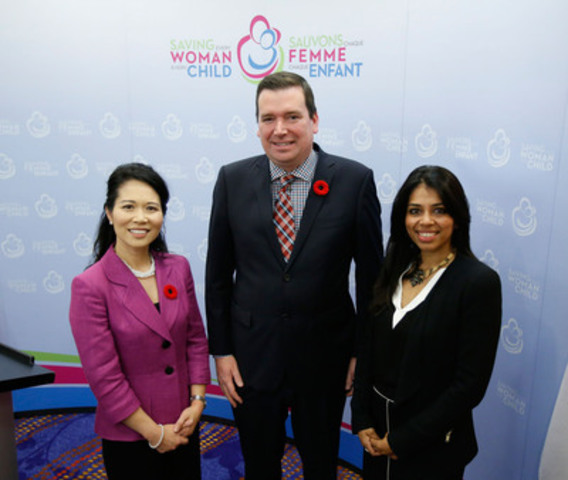 The Honourable Christian Paradis, Minister of International Development and La Francophonie (centre), with Jennifer Chan (left), Vice President, Policy and Communications, Merck Canada, and Dr. Priya Agrawal (right), Executive Director of Merck for Mothers,  in Ottawa for the Canadian Network for Maternal, Newborn and Child Health annual general meeting. (CNW Group/Merck Canada Inc.)