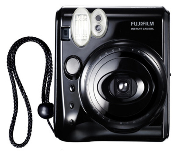 Fujifilm Instax Mini 50S (CNW Group/FUJIFILM Canada Inc.)