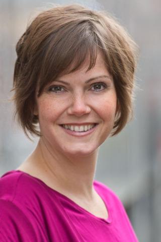 Heather Follis, ARP (Groupe CNW/Société canadienne des relations publiques)