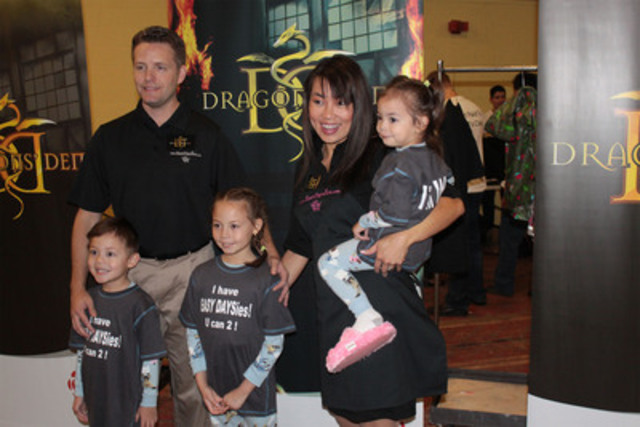 Elaine Comeau and family, of Easy Daysies, incited a bidding war with all 5 Dragons during their pitch in the Dragons' Den, ultimately securing a deal with Dragons Jim Treliving and Kevin O'Leary. (CNW Group/Easy Daysies)