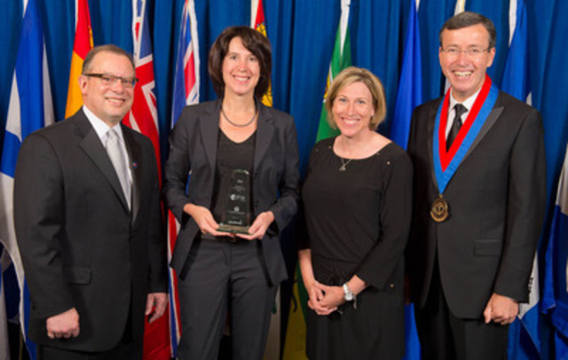Excellence in Diversity & Inclusion Award. Ray Racette, CHE, President and CEO, CCHL; Stacey Daub, CEO, Toronto Central Community Care Access Centre; Vanessa White, Senior Vice-President, Human Resources, Sodexo Canada; Brian Schmidt, FCCHL, Board Chair, CCHL (CNW Group/Toronto Central Community Care Access Centre)