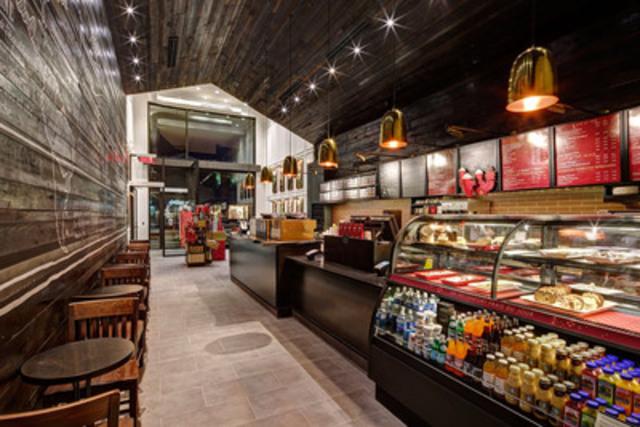 Ce 100e magasin est le premier établissement Starbucks Reserve® au Québec et met en vedette le système d'infusion Clover (Groupe CNW/Starbucks Coffee Canada)