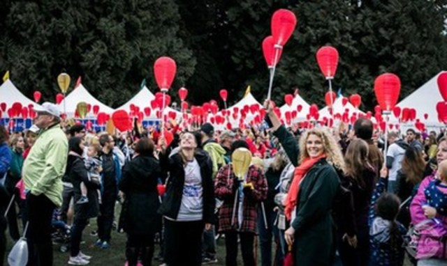 Thousands expected to gather at Stanley Park to walk and carry lanterns in support, honour, and memory of loved ones affected by blood cancers during the annual Light The Night Walk on October 15, 2016 (CNW Group/The Leukemia & Lymphoma Society of Canada)