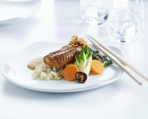 Morue charbonnière  rôtie à la sauce tamari (Groupe CNW/Air Canada)