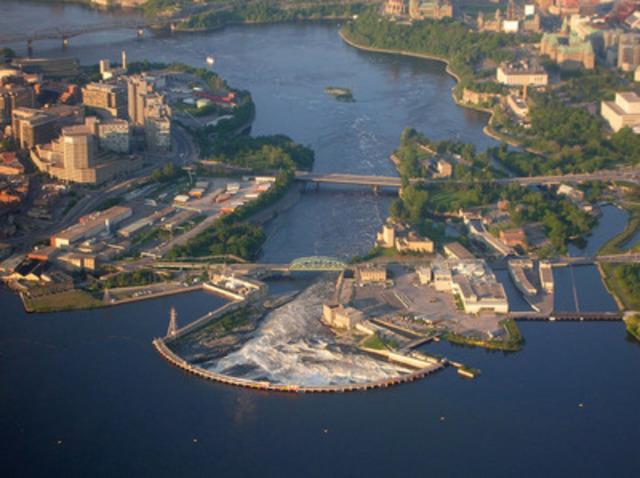 Chutes de la Chaudière (Groupe CNW/Société de portefeuille d'Hydro Ottawa inc.)