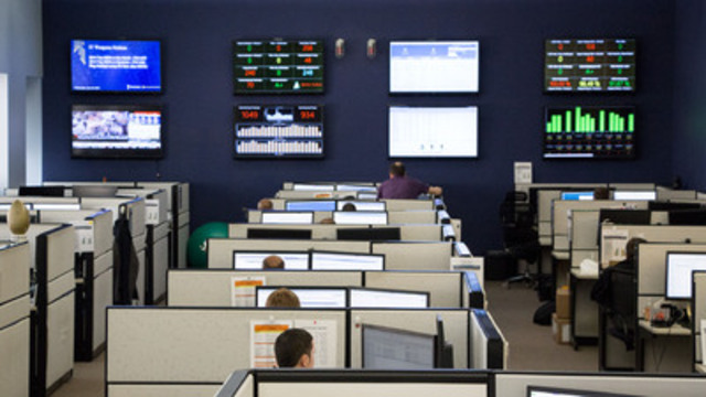 The IT Weapons service desk hard at work monitoring client systems and making sure everyone is safe. (CNW Group/Toshiba of Canada Limited)