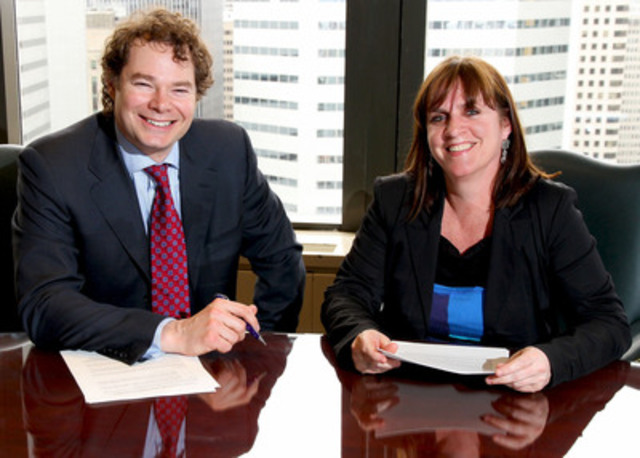 Louis Morisset, AMF President and CEO and Catherine Cartier head of the Montérégie CAVAC (CNW Group/Autorité des marchés financiers)