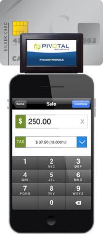 PivotalMOBILE est une solution de paiement intégrée qui comprend une application pour dispositifs iOS, Android et BlackBerry ainsi qu'un lecteur de carte qui se branche directement dans le port audio de l'appareil mobile (Groupe CNW/PIVOTAL PAYMENTS)