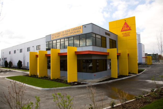 Photo no. 2539: Front of the new plant (CNW Group/Sika Canada Inc)