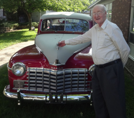 Georgian Bay Senior Care Center Resident with 1947 Dodge (CNW Group/Georgian Bay Retirement Home)