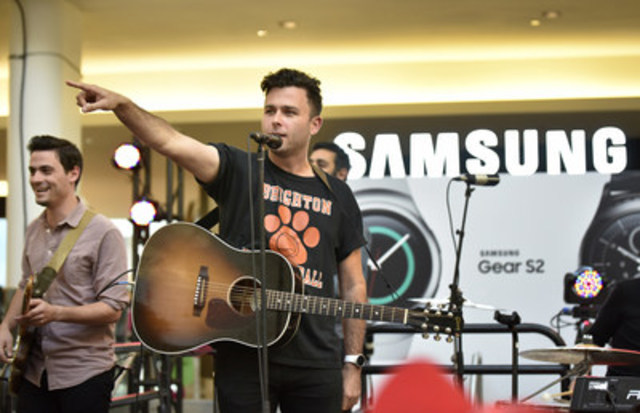 Samsung Canada launches the first Global Galaxy Studio in Canada with a live performance by multi JUNO award-winning band Arkells. Located at CF Sherway Gardens, in centre court, the Global Galaxy Studio is open until November 8th and is a preview of the Samsung Brand Experience store, which will open in late November. (CNW Group/Samsung Electronics Canada Inc.)