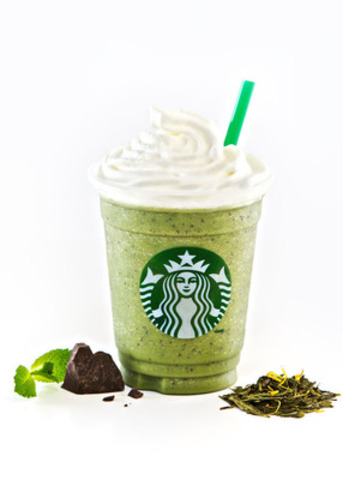 Peppermint Green Tea Frappuccino® blended beverage with Java chips (CNW Group/Starbucks Coffee Company)