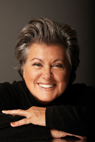 Ginette Reno to Sing O Canada at Silver Star Hampstead Centennial Concert, September 21 (CNW Group/Town of Hampstead)