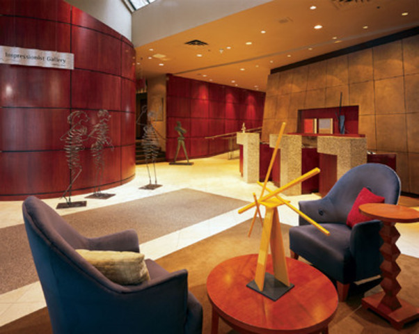 The lobby at the Listel Hotel, located in the shopping district on Robson St. in Vancouver, British Columbia. (CNW Group/Hotels.com)