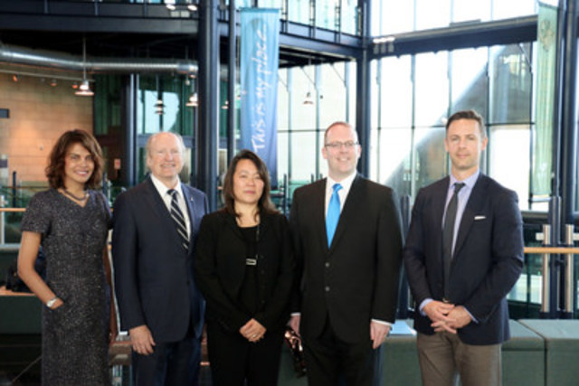 From left to right: Dr Bridget Fernandez of memorial university, Dean James Rourke, Memorial University Medicine, Dr. Pek Lum of Capella Bioscence and member of Sequence Bio Advisory Board, Minister Steve Kent, Department of health and community services, Dr. Tyler Wish, CEO and cofounder Sequence Bio (CNW Group/Sequence Bio)