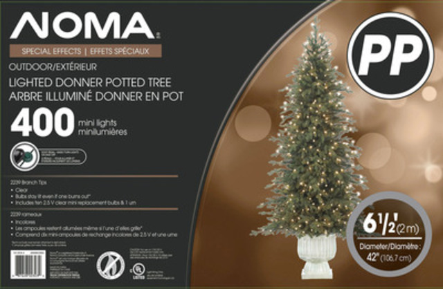 6.5' (2M) Lighted Donner Potted Tree with 400 mini lights. (CNW Group/Polygroup Limited)