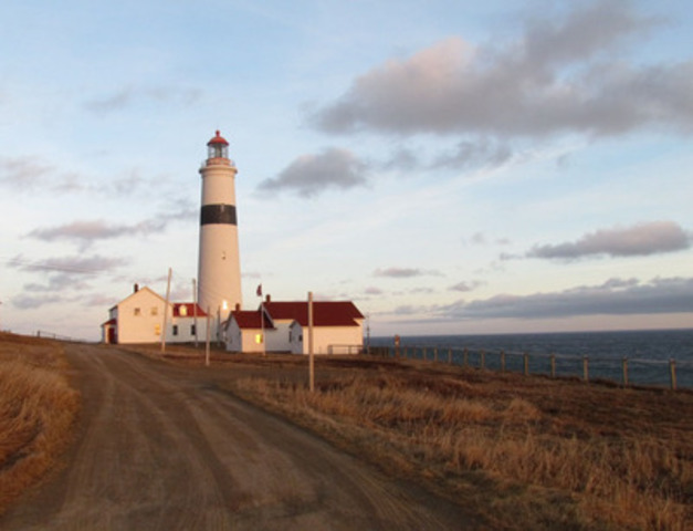 Le phare Point Amour de Terre-Neuve-et-Labrador a été désigné, aujourd'hui, comme phare patrimonial selon la Loi sur la protection des phares patrimoniaux du Canada. (Groupe CNW/Parcs Canada)