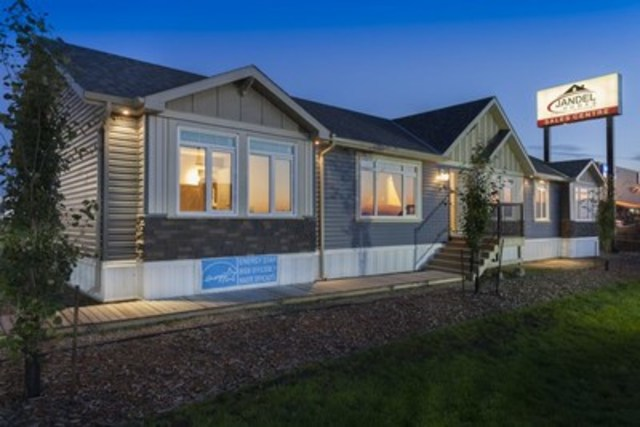 Jandel Homes ready to move home. (CNW Group/Jandel Homes)
