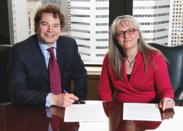 Louis Morisset, AMF President and CEO and Isabelle Fortin head of the Côte-Nord CAVAC (CNW ...