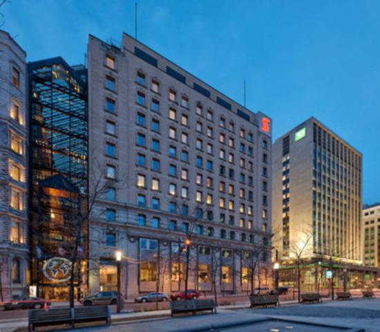 715, Square Victoria, Montréal (Québec) - Type de propriété : Immeuble de bureaux du centre-ville, Superficie : 88 087 pieds carrés, Nombre d'étages : 10 (Groupe CNW/Manulife Real Estate)