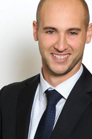 Alexandre Raymond, président de la Jeune Chambre de commerce de Montréal pour le mandat 2012-2013. Il occupe le poste de conseiller en recrutement pour la firme Raymond Recherche de cadres. (Groupe CNW/JEUNE CHAMBRE DE COMMERCE DE MONTREAL)