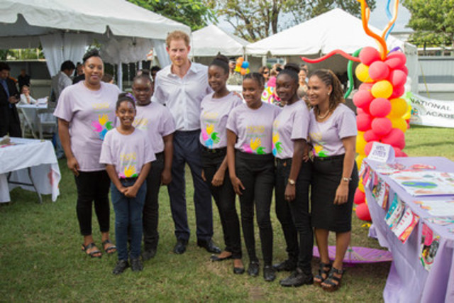 Prince Harry of Wales and Women of Esteem at the Charities Showcase event in the tropical grounds of Government House in Antigua's capital St. John's. #PrinceHarryAntiguaBarbuda For more information visit www.visitantiguabarbuda.com (CNW Group/Antigua & Barbuda Tourism Authority)