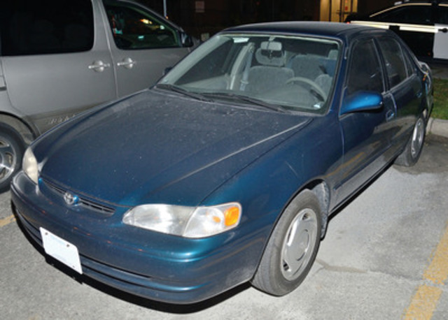 Suspect Vehicle - 1998 blue Toyota four-door (CNW Group/Ontario Provincial Police)