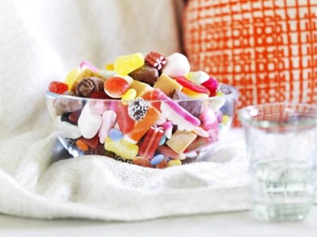 LÖRDAGSGODIS, un nouveau mélange de bonbons disponibles chez IKEA Canada (Groupe CNW/IKEA Canada)