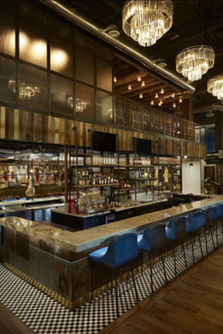 Jamie's Italian will have an inviting, relaxed atmosphere featuring high ceilings, an open kitchen and a welcoming bar, making it the perfect spot for shoppers to refuel. (CNW Group/Jamie's Italian)